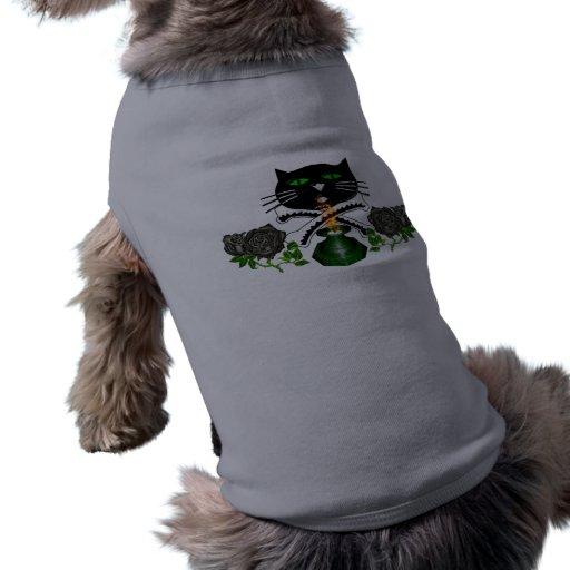 Cráneo y huesos del gato camisa de perro