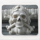 Cráneo y huesos Mousepad del pirata Tapetes De Ratones
