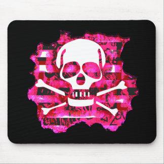 Cráneo y huesos rosados tapete de ratón