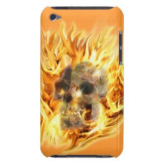 Cráneo y llamas ardientes iPod touch Case-Mate funda