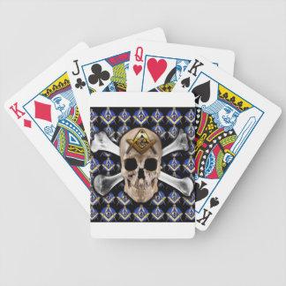 Cráneo y negro del cuadrado y del compás de los hu barajas de cartas