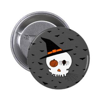 Cráneo y palos (fondo gris) del arte de Halloween Pin