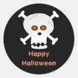 Cráneo y pegatina de Halloween de la bandera pirat