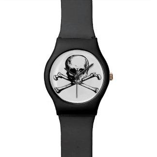 cráneo y reloj de la bandera pirata