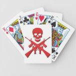 Cráneo y rifles cartas de juego