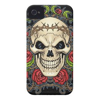 Cráneo y rosas con la corona de espinas por el Al Case-Mate iPhone 4 Cárcasas