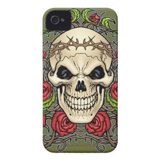Cráneo y rosas con la corona de espinas por el Al iPhone 4 Carcasa