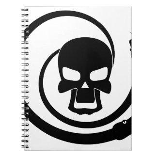 Cráneo y serpiente 2 spiral notebook