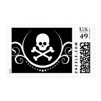 cráneo y sofisticaciones de la bandera pirata sello postal
