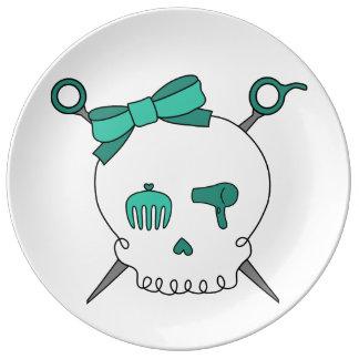 Cráneo y tijeras accesorios (turquesa) del pelo platos de cerámica