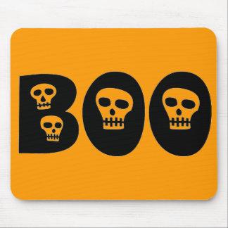 """Cráneos """"abucheo """" de Halloween Alfombrilla De Raton"""
