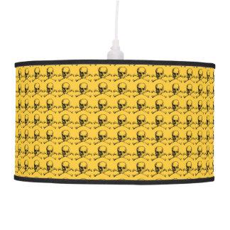 Cráneos adaptables y bandera pirata del vintage lámpara de techo