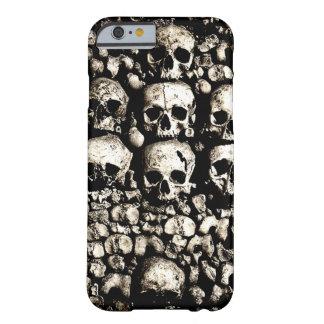Cráneos arenosos funda de iPhone 6 barely there