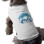 Cráneos azules llameantes camisa de perro