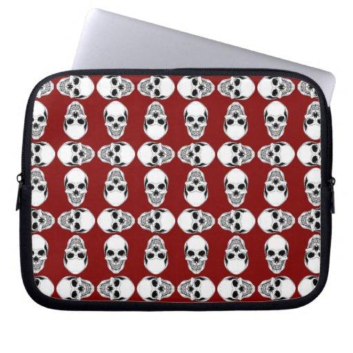 Cráneos blancos y rojos sangre funda portátil