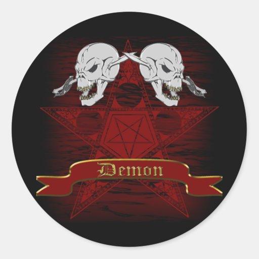 Cráneos con Pentagram Pegatina Redonda
