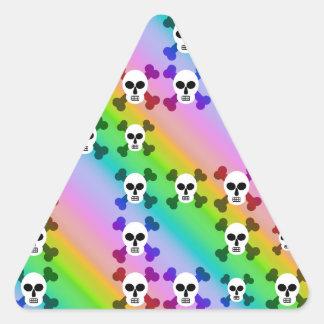 Cráneos del arco iris pegatina triangular