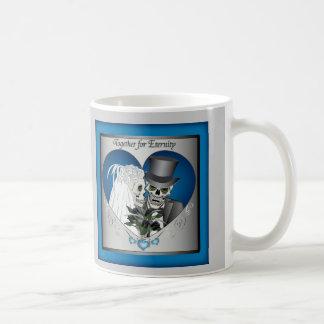 Cráneos del boda - azul taza de café