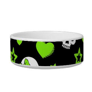 Cráneos del gótico con los corazones verdes bol para gato