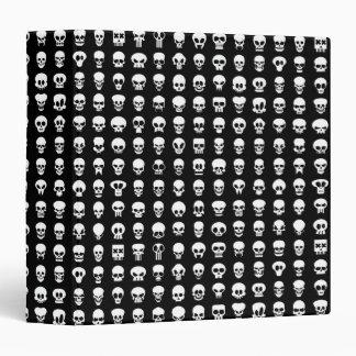 """Cráneos en fondo negro carpeta 1 1/2"""""""