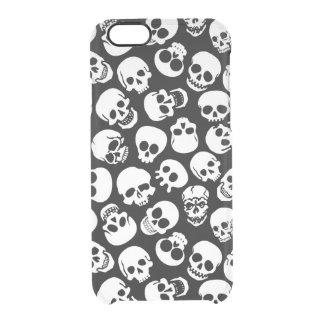 Cráneos en modelo negro del fondo funda clearly™ deflector para iPhone 6 de uncommon