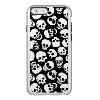 Cráneos en modelo negro del fondo funda para iPhone 6 plus incipio feather shine