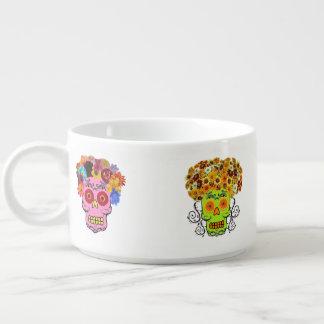Cráneos florales del azúcar tazón