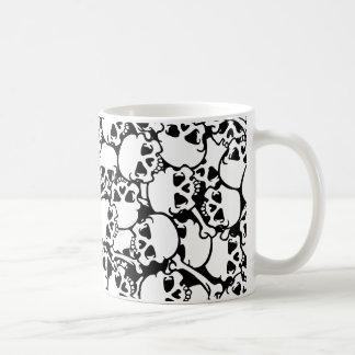 cráneos frescos taza de café