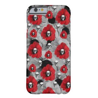 Cráneos grises y rojos con el modelo de las funda para iPhone 6 barely there