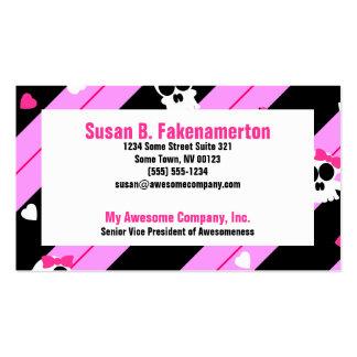 Cráneos lindos rosados y tarjetas de visita negras