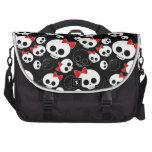 Cráneos lindos y asustadizos bolsas para portátil