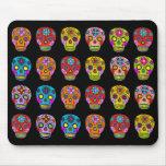 Cráneos multicolores del azúcar alfombrilla de raton