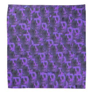 Cráneos púrpuras bandana