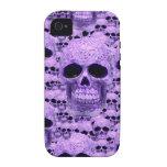 Cráneos púrpuras góticos Case-Mate iPhone 4 carcasa