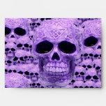 Cráneos púrpuras góticos sobres