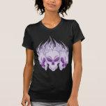 Cráneos púrpuras llameantes camiseta