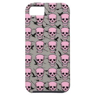 Cráneos rosados punkyes y caja negra del iPhone de iPhone 5 Funda