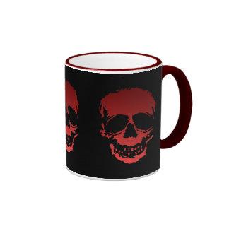 Cráneos viejos negro y rojo taza de dos colores