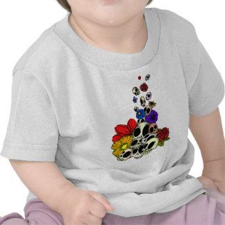 Cráneos y flores camiseta