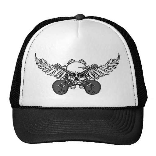 Cráneos y gorra del camionero de las guitarras