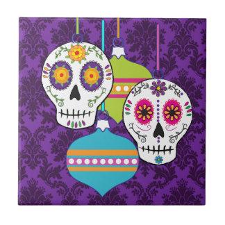 Cráneos y teja de los ornamentos