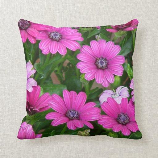 Cranesbill Geranium (Pink Flowers) Pillow