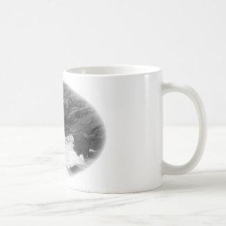 Crash of waves coffee mug