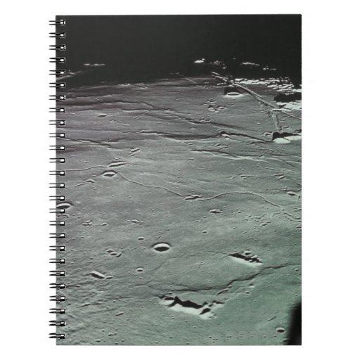 Cráteres en la luna libreta