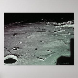 Cráteres en la luna posters