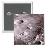 Cráteres en la luna pin cuadrada 5 cm