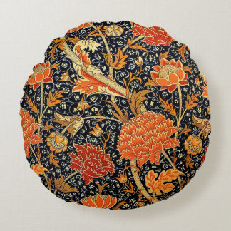 Cray, a William Morris vintage pattern Round Pillow