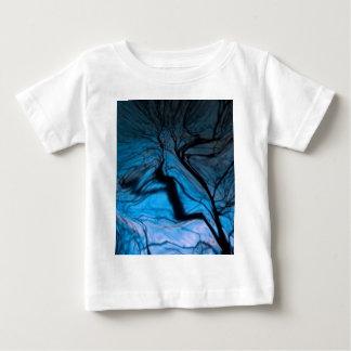 crazy blurred tree, blue tees