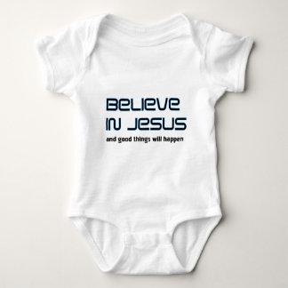 Crea en decir cristiano de Jesús Tshirts