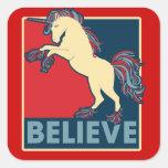 Crea en el unicornio etiqueta